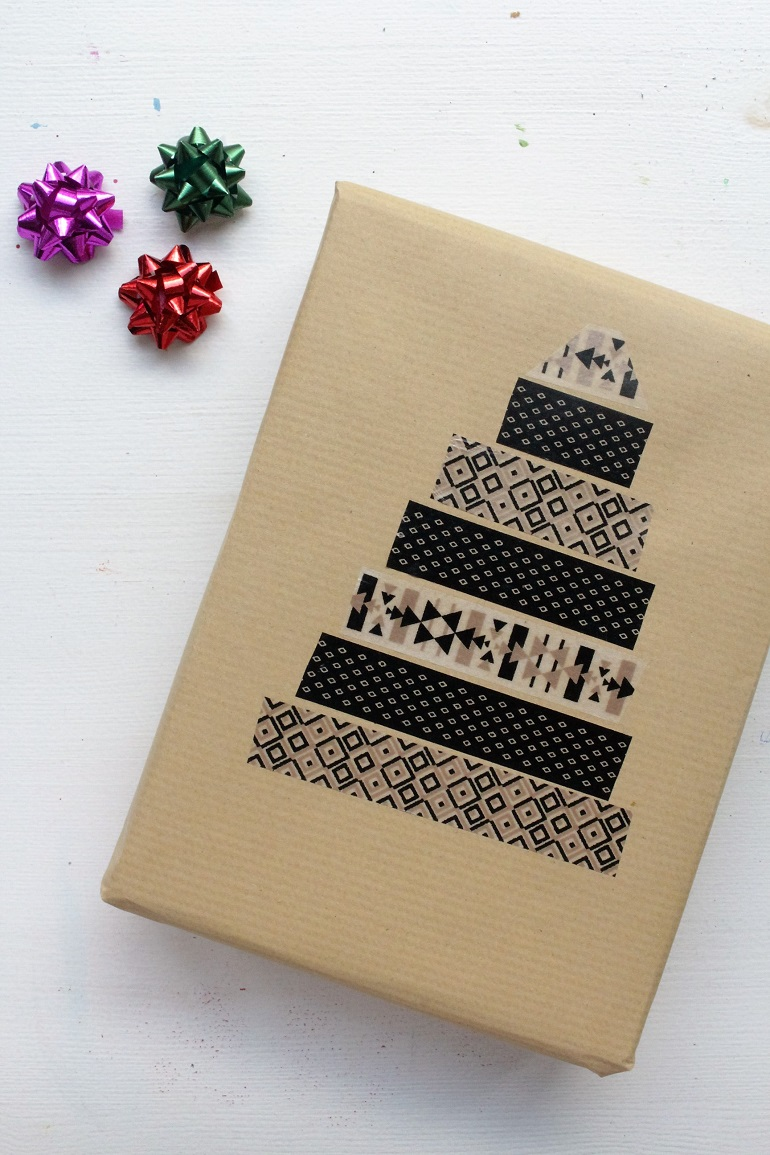 5 gift wrapping ideas with brown paper for Paper christmas gifts